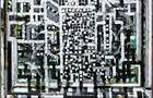 Si distingue - 2001, Olio su tela con mosaico, cm 74x64